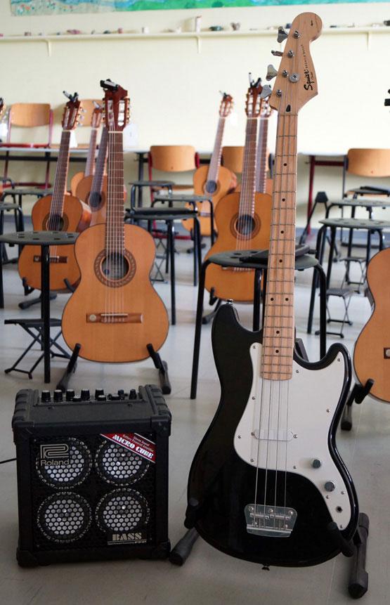Instrumente | Guitar Colour System | Klassenmusizieren mit Gitarren